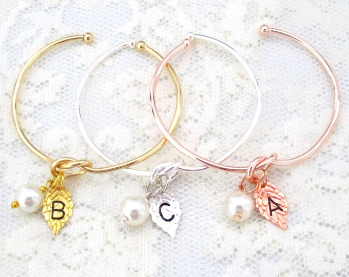 Silver Knot Bangle,Personalized Leaf Initial Charm and Pearl Bracelet,Tie the Knot Pearl Jewelry,Gift for Bridesmaid,Girls gift,Gift for her