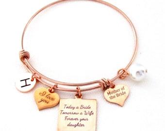 Mother of the Bride Gift, Gift for Mom Bracelet, Personalized mother of the bride bracelet, Gift from bride for Wedding, Gift for Mom