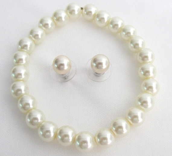 Classic Pearl Stretchable Bracelet With Elegant Stud Earrings Ivory Pearl Set Free Shipping In USA