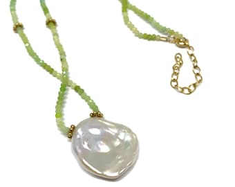 Green opal and baroque pearl necklace