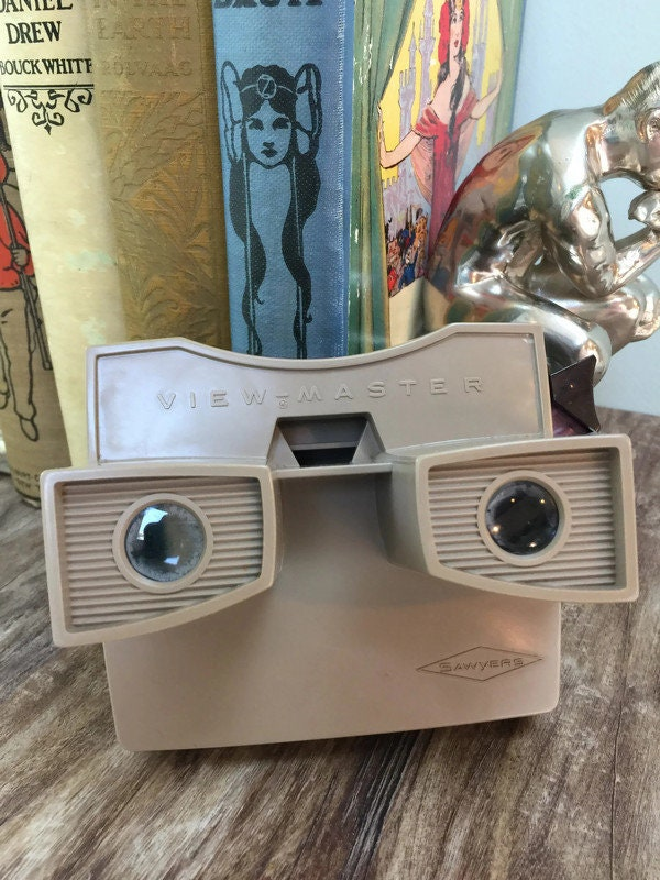 Image 5 of Vintage View Master and 20 Reels