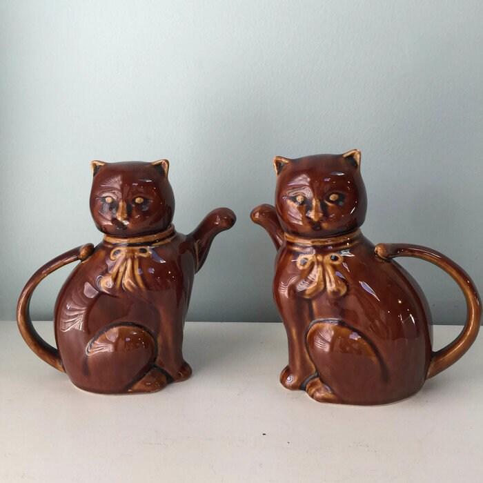 Vintage Cat Teapots