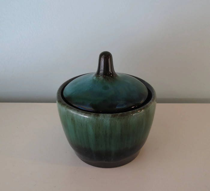 Image 4 of Vintage Blue Mountain Pottery Sugar Bowl
