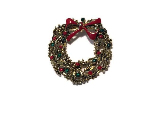 Image 6 of Christmas Wreath Pin