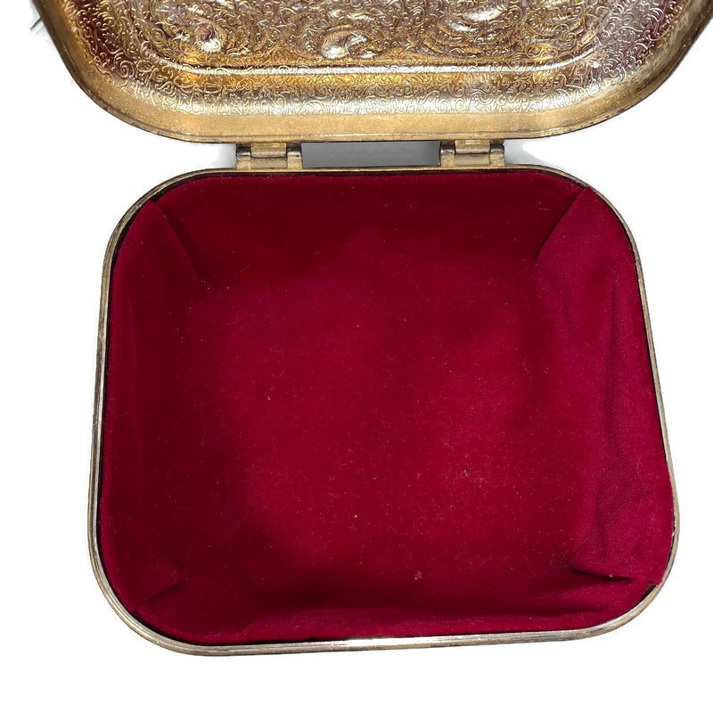 Image 6 of Vintage Ornate Silverplate Velvet Lined Jewelry Box