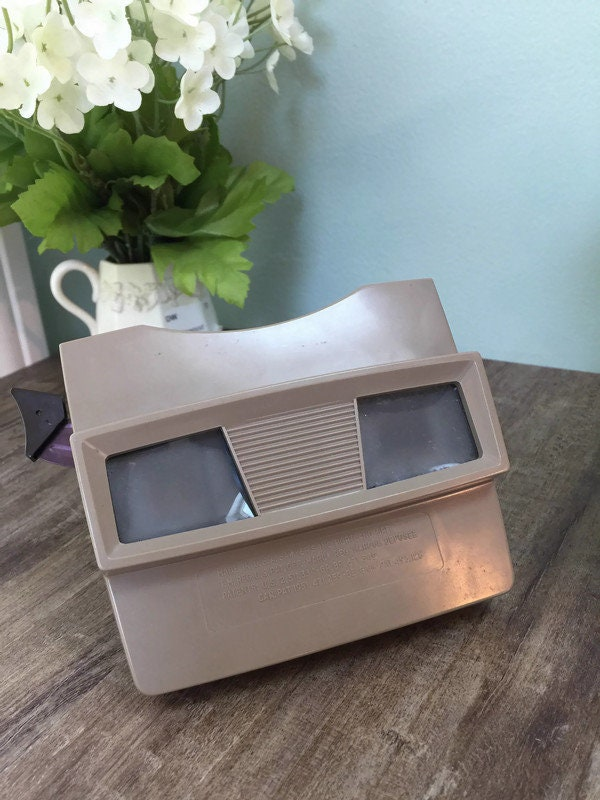 Image 4 of Vintage View Master and 20 Reels