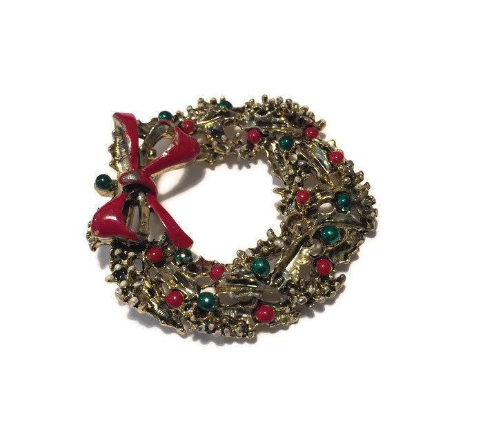 Image 3 of Christmas Wreath Pin