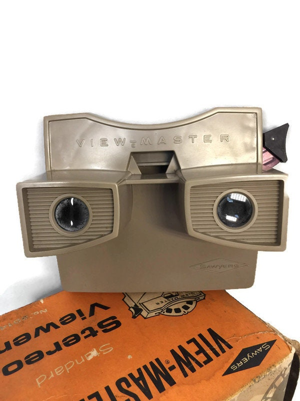Image 7 of Vintage View Master and 20 Reels