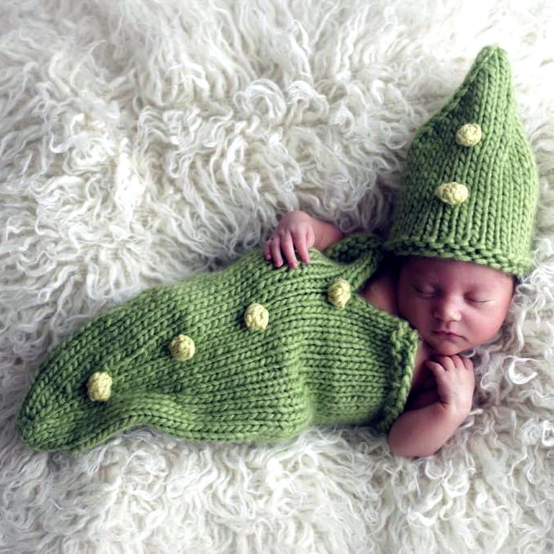 Pea Pod Baby Cocoon and Hat  Bobble Tutorial  Fast Easy DIY image 1
