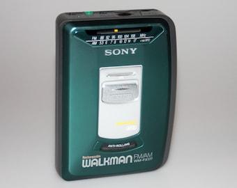 Sony Mega Bass Walkman WM-FX177 Green Color Cassette Tape Radio Vintage 1990s
