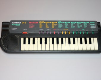 Casio SA-5 Keyboard 100 Sounds Synthesizer Vintage 1990s