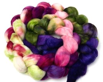 Lotus - 4 oz 18 micron Merino wool combed top, roving, spinning fiber, handspinning, felting, mirrored gradient