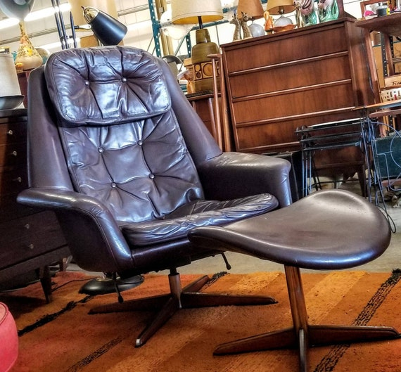 Mid Century Bramin Brown Leather and Chrome Danish Modern Recliner Lounge Chair with Ottoman Buyer Pays Shipping