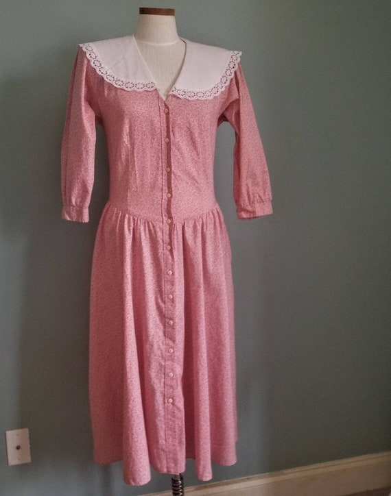Vintage Pink Calico Prairie Dress White Lace Shawl Collar