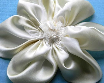 Silk flower brooch or hair clip  in white and ivory