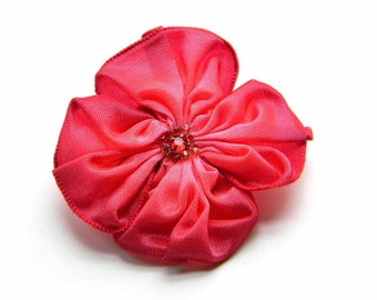 little ribbon flower brooch in raspberry