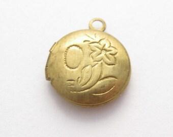 round brass locket, 13mm by 13mm, raw brass, 13mm locket, 13mm brass locket, round flower locket, round gold locket