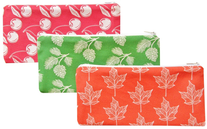 maple leaf zippered pouch