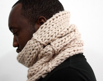 Chunky Knit Wool cowl, Infinity scarf, Winter tube scarf