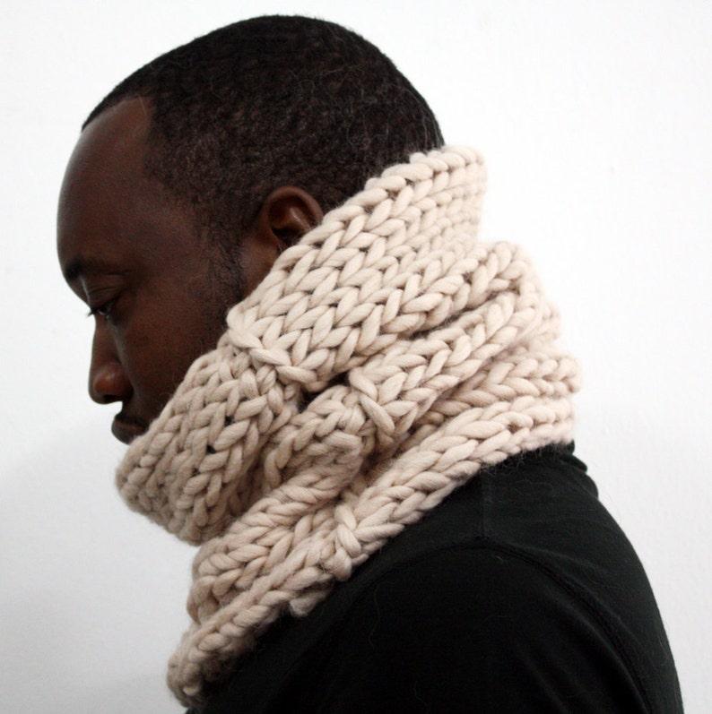 Chunky Knit Wool cowl Infinity scarf Winter tube scarf Cream