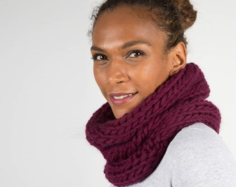 Purple Wool Snood Scarf, Chunky Knit Circle Scarf, Handmade Winter scarf