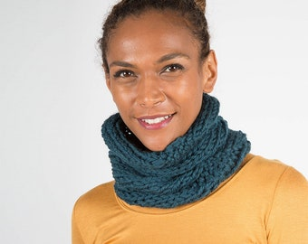 Chunky Knit snood, Unisex Wool Cowl Scarf
