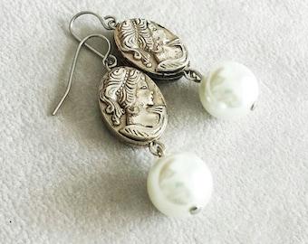 Perlenohrringe, Braut, Hochzeit Schmuck, seltene Vintage Cameo Ohrringe, Muttertagsgeschenk, Geburtstagsgeschenk für Frau, Geschenk für Mama