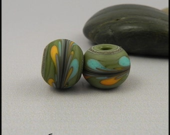 Ginnovations lampwork, Olive Swirl bead pair (2 beads)