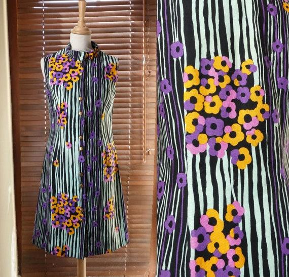 VINTAGE 1970s graphic floral shift dress by Elizab