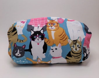 Cat Family Glasses Case - Zipper Pouch, Cats in Clothes, Coin Wallet, Jewelry Bag, Medicine Vitamins, Change Purse, White Daisies