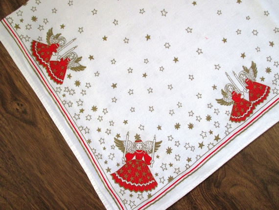 Angels Tablecloth Red Gold Christmas 27