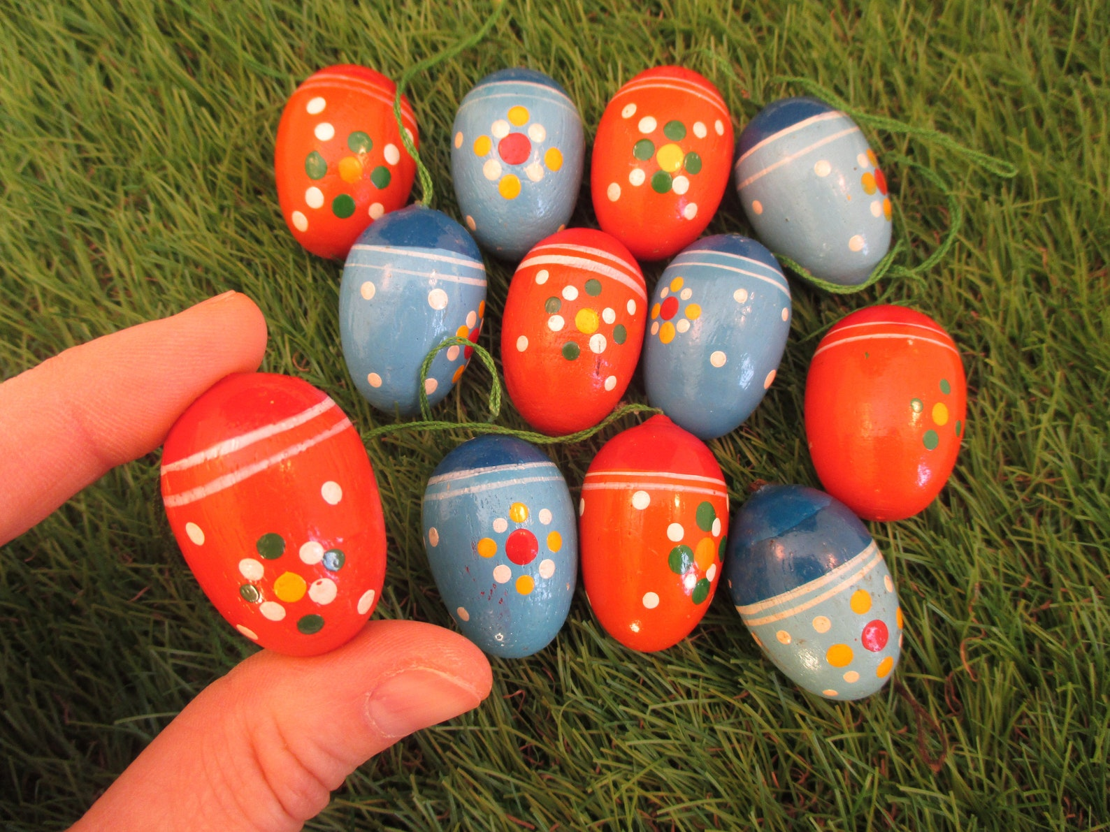 Erzgebirge Easter Eggs 12 Red & Blue Wood Hand Painted Hanging Egg Ornaments Handmade Spring Decor Germany Easter Collectible Egg Set Wooden