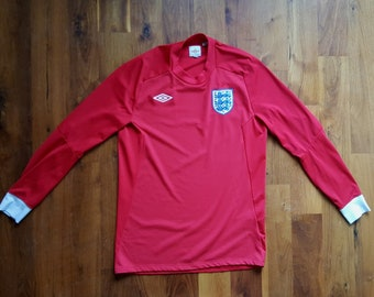 114c0942ac1 Vintage Umbro England Red Polyester Sports Jersey