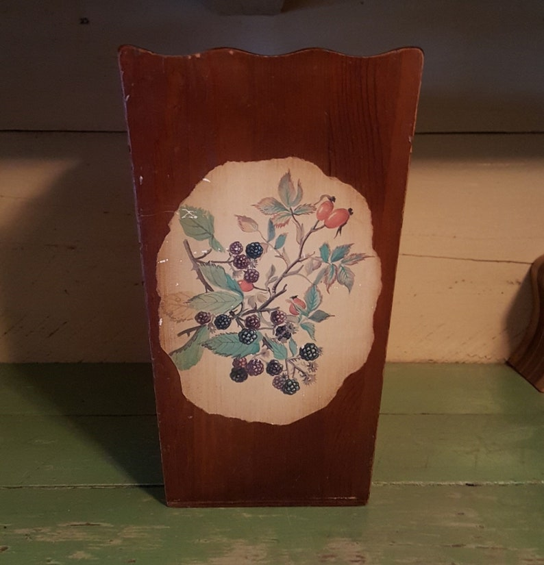 1980/'s Decoupage Planter Dark Wood Blackberry Vine Decoupage Storage Trash Can Antique Wood Container with Open Top