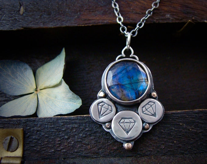 Lucy in the sky ... labradorite and sterling silver pendant, handmade jewelry, gifts for her, handmade jewelry
