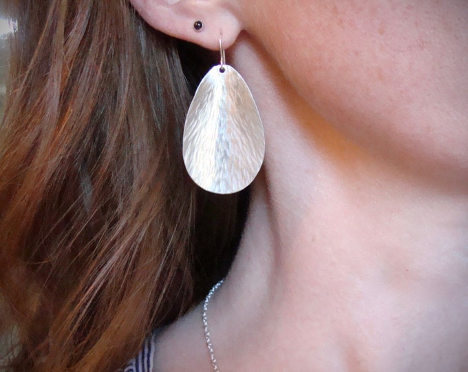 silvery petals...sterling silver earring, hammered silver earrings, contemporary jewelry, gifts for her