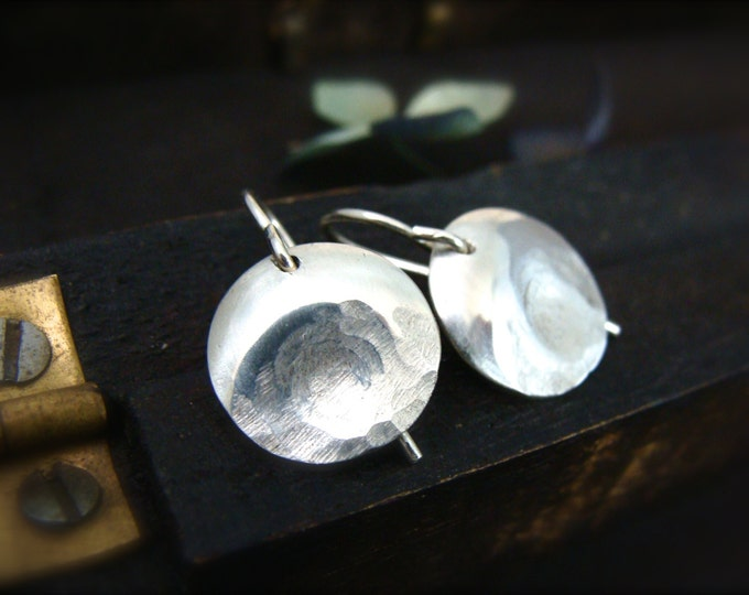 thumbprint ... sterling silver earring, small earrings, disc earrings, simple jewelry, gifts for her