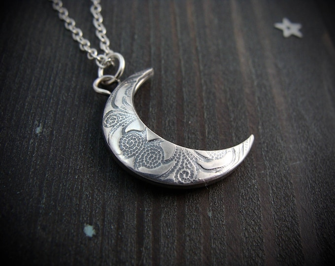 changeable moon ... sterling silver crescent moon pendant, moon necklace, reversible patterned pendant, gifts for her