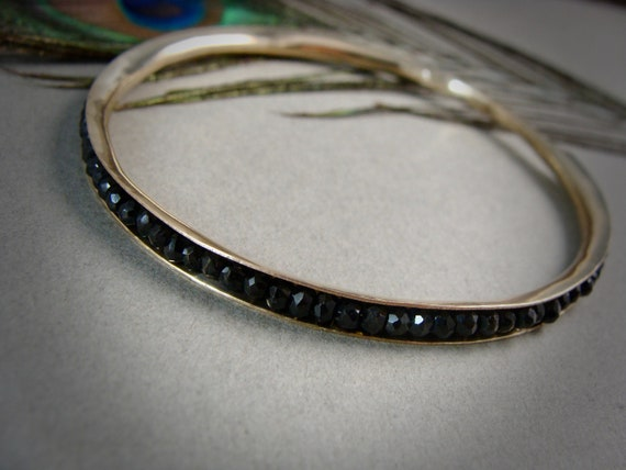 golden spinel stack bangle .. 14k gold filled, black spinel bangle, gold jewelry, classic bangles, gifts for her