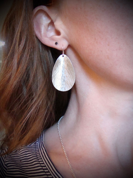 silvery petals...sterling silver earring, hammered silver earrings, contemporary jewelry, dangle earrings, simple earrings, gifts for her