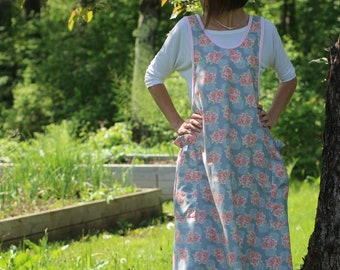 XS- 5X No Ties Apron in Pink Roses on Gray Print