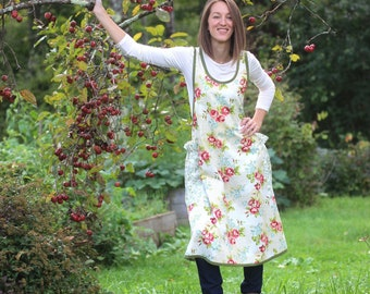 XS- 5X No Ties Apron in Red Roses
