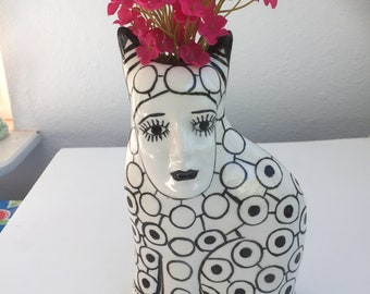Black and White Kat Face Vase