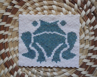 """PATTERN: 2-Drop Even Count Peyote Stitch Mini-Tapestry, """"Frog"""", 2 Colors"""