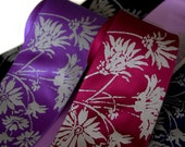 Lazy Daisy floral silk necktie. Silkscreen wildflower men's tie. Screen printed pale gray ink.
