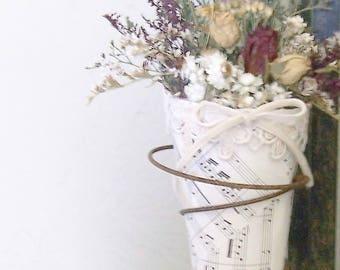 Country decorating,  dried flower art, rusty spring 3, flower arrangement, cottage decor, farmhouse decor, vintage style