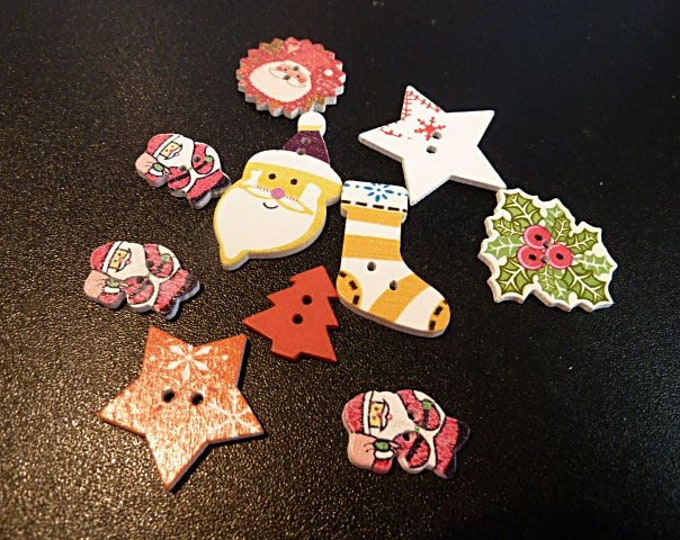 Buttons Christmas Stockings Stars Santa Wreath  set of 10  / M17