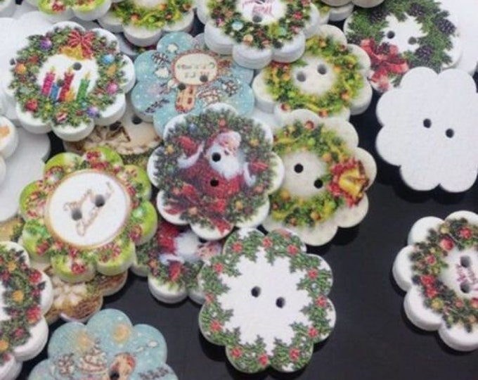 Scalloped Christmas Buttons  set of 10 / P