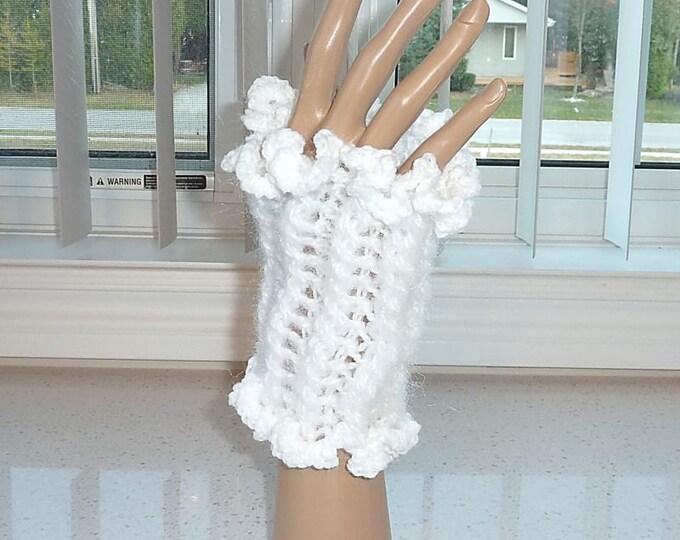 Fingerless Glovelets Crocheted White and Sparkle