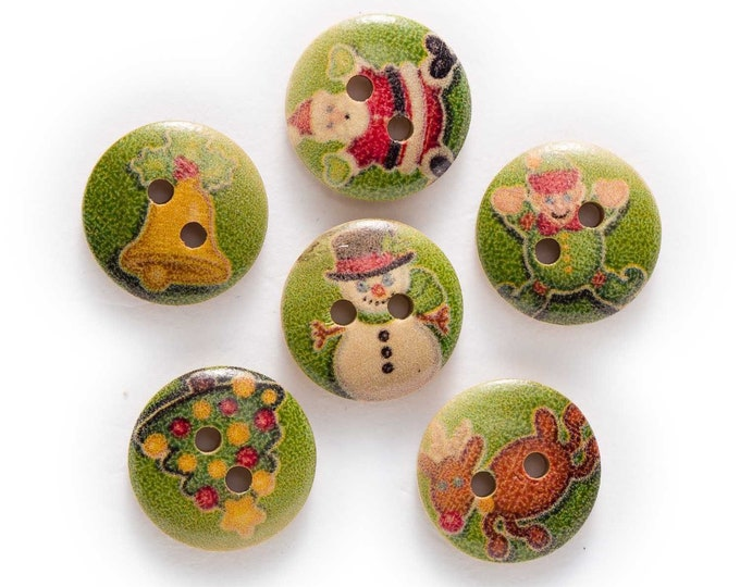 Buttons with Christmas Scene  set of 10 / R